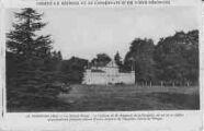 1 vue  - la Grange Rouge - le château de M. Passerat, où est né le célèbre grammarien français Claude Favre, seigneur de Vaugelas, baron de Pérouges (ouvre la visionneuse)