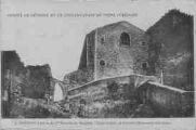 1 vue  - la 1er enceinte des remparts, l'église fortifiée (ouvre la visionneuse)