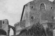 1 vue  - église et porte extérieure (ouvre la visionneuse)