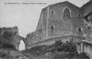 1 vue  - Eglise et Porte extérieure (ouvre la visionneuse)
