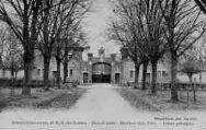 1 vue  - abbaye cistercienne de Notre-Dame-des-Dombes - gare et poste - entrée principale (ouvre la visionneuse)