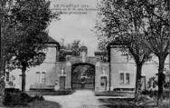 1 vue  - abbaye cistercienne de Notre-Dame-des-Dombes - entrée principale (ouvre la visionneuse)