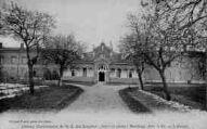 1 vue  - Abbaye Cistercienne de N.-D. des Dombes-Gare et poste : Marlieux (Ain) 4 kil. - L'Atrium (ouvre la visionneuse)