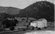 1 vue  - moulin-batteuse et le Chatelet (ouvre la visionneuse)