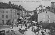 1 vue  - Grande Rue un jour de marché (ouvre la visionneuse)