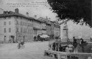 1 vue  - Monument Chaintreuil et angle de la Place Amiral Decourt (ouvre la visionneuse)