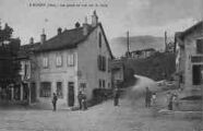 1 vue  - la Poste et vue sur le Jura (ouvre la visionneuse)
