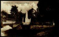 1 vue  - Le Monument aux Morts (ouvre la visionneuse)