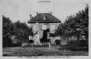 1 vue  - la poste et le monument aux Morts (ouvre la visionneuse)