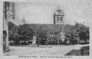 1 vue  - place de l'église et monument aux Morts (ouvre la visionneuse)