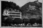 1 vue  - l'hôpital vu de la place des Ecoles (ouvre la visionneuse)