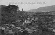 1 vue  - Son château féodal et la vallée du Rhône (ouvre la visionneuse)