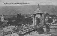1 vue  - Pont sur le Rhône et Eglise de Seyssel (Ain) (ouvre la visionneuse)