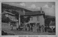 1 vue  - place de la Fontaine (ouvre la visionneuse)