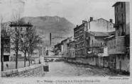 1 vue  - l'Albarine et la place de l'Hôtel-de-Ville (ouvre la visionneuse)