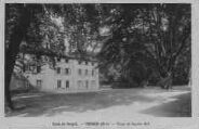 1 vue  - école du Roquet - cour et façade est (ouvre la visionneuse)