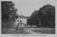 1 vue  - école du Roquet - façade sud et entrée du jardin (ouvre la visionneuse)