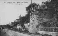 1 vue  - montée de la Terrasse - vieile tour des remparts (ouvre la visionneuse)
