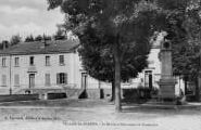 1 vue  - la Mairie et monument du centenaire (ouvre la visionneuse)