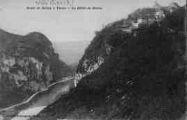 1 vue  - route de Belley - le défilé du Rhône (ouvre la visionneuse)