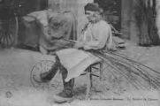 1 vue  - Anciens costumes bressans - Le Teilleur de Chanvre (ouvre la visionneuse)