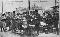 1 vue  - Le déjeuner du soldat - Lyon-Perrache 1914-17 (oeuvre de Mme Bizolon) (ouvre la visionneuse)