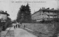 1 vue  - Le Château et route de Saint-Germain (ouvre la visionneuse)