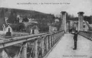1 vue  - Le pont et l'entrée du village (ouvre la visionneuse)