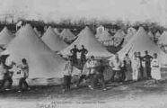 1 vue  - la Valbonne - vue générale des tentes (ouvre la visionneuse)