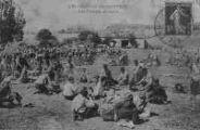 1 vue  - La Valbonne - les grandes manoeuvres - les troupes au repos (ouvre la visionneuse)